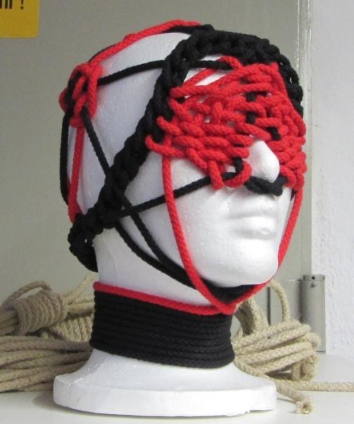 Facebondage - Kopf in Seil eingesponnen